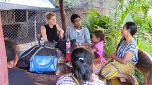 In augustus 2014 vroegen we jullie: wat wil jij nog weten van de stoere vrouwen uit onze Who Runs the World? Girls!-campagne. We kregen meer dan tachtig nieuwe vragen, waarvoor heel veel dank. Een groot gedeelte van de vragen zijn nu door Kun Hon, Thy Palla, Kat Mea en Chhung Srey Sros uit Cambodja beantwoord. Staat jouw vraag er bij? Lees de updates hier!