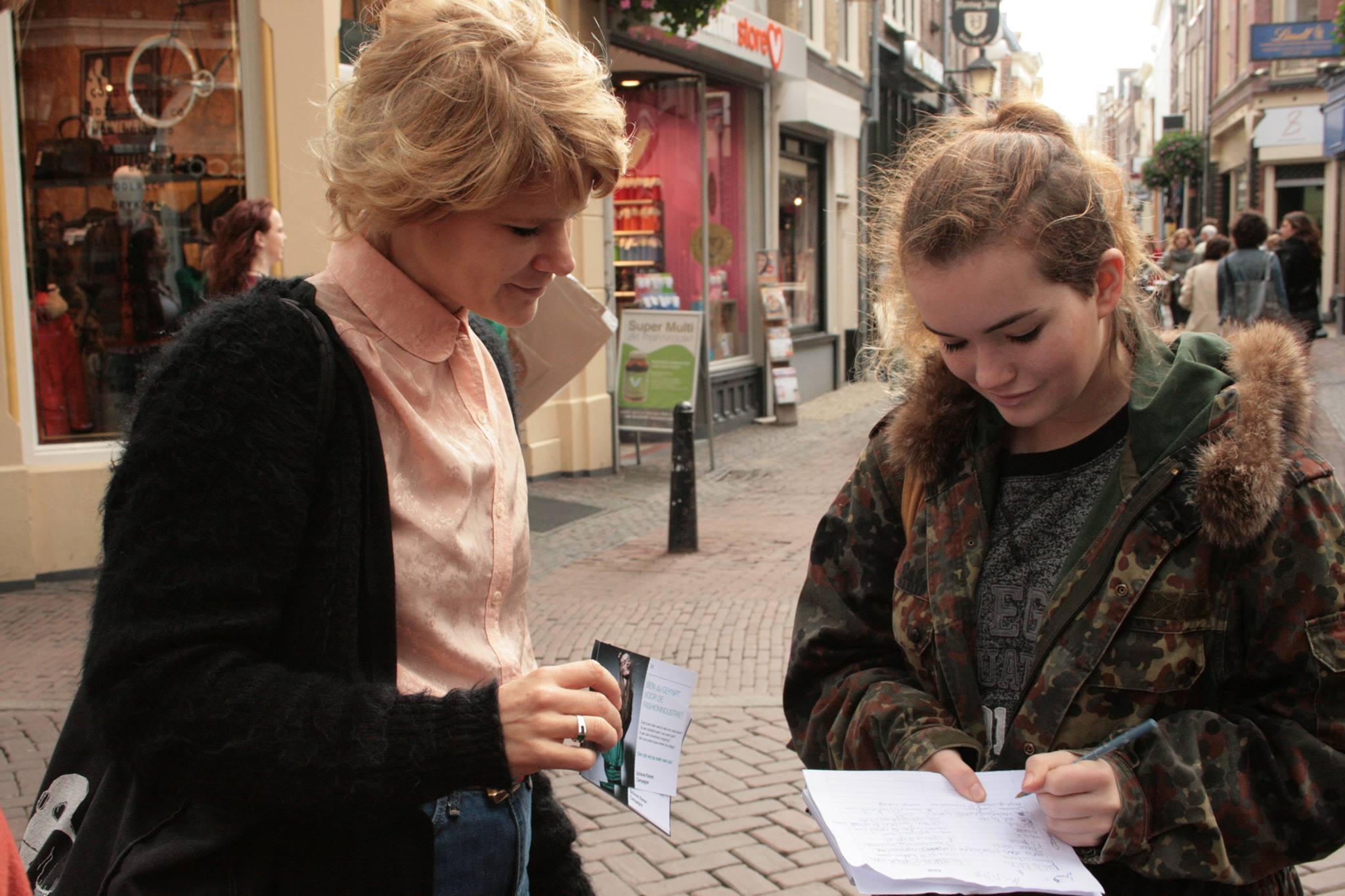 50.000 mensen tekenen voor leefbaar loon in de kledingindustrie