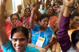 Tribunaal India: werkomstandigheden kledingindustrie zijn stelselmatige mensenrechtenschendingen