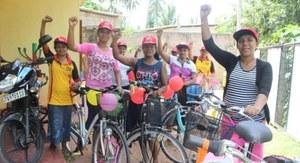 Sri Lanka: veilig op de fiets naar vakbondstrainingen