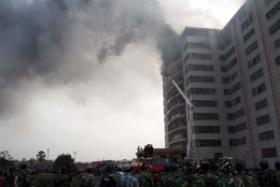 28 doden bij brand in Bengaalse kledingfabriek