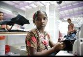 Jonge meiden nog steeds uitgebuit in Indiase kledingfabrieken
